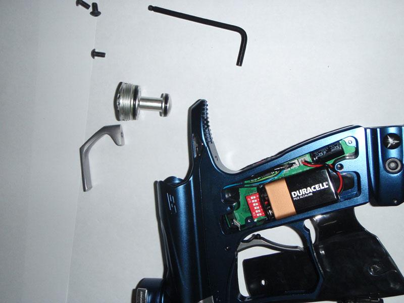 Маркер Dangerous Power G3: разборка, вынимаем болт